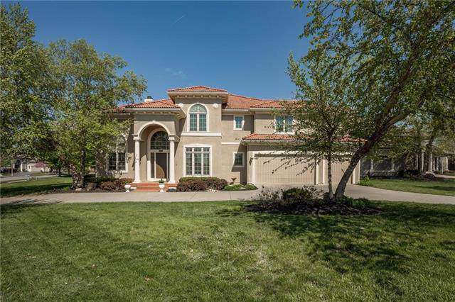 8938 Quail Ridge Lane, Lenexa, KS 66220 (#2194630) :: Team Real Estate
