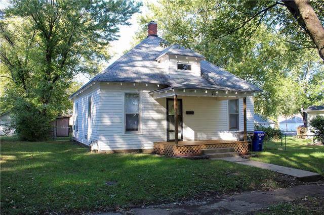 621 E 17th Street, Sedalia, MO 65301 (#2194676) :: House of Couse Group
