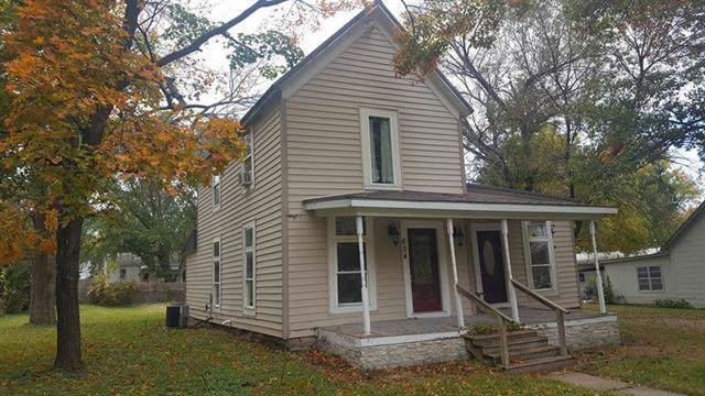 604 Maple Street, Lathrop, MO 64465 (#2194756) :: House of Couse Group