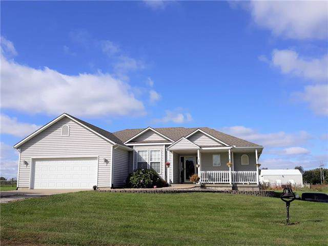 26080 Mission Belleview Road, Louisburg, KS 66053 (#2194928) :: House of Couse Group