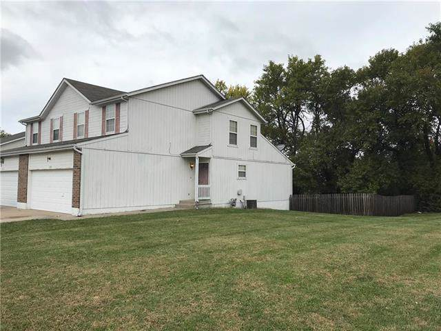 1220 Granada Drive, Raymore, MO 64083 (#2195466) :: Clemons Home Team/ReMax Innovations