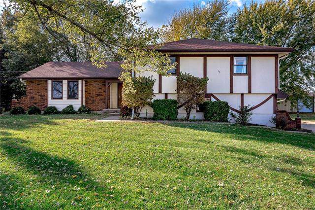 18999 Walmer Street, Stilwell, KS 66085 (#2195689) :: Eric Craig Real Estate Team