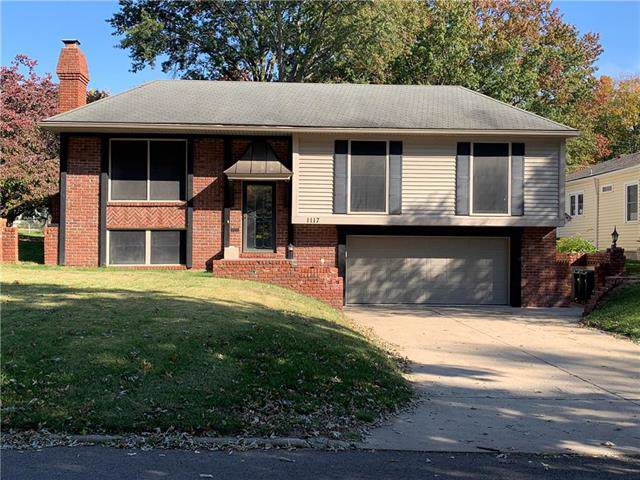 1117 N 24th Street, St Joseph, MO 64506 (#2195716) :: House of Couse Group