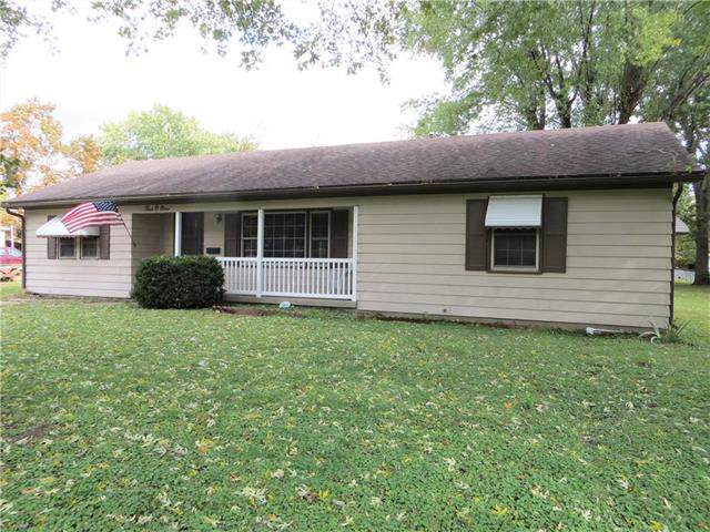 409 S Olive Street, Butler, MO 64730 (#2195793) :: Clemons Home Team/ReMax Innovations