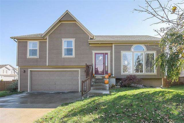 20503 W 200TH Street, Spring Hill, KS 66083 (#2195798) :: The Shannon Lyon Group - ReeceNichols