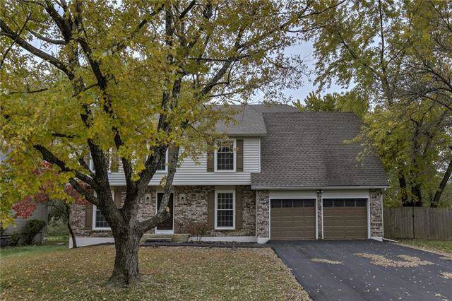 1701 E Sheridan Bridge Lane, Olathe, KS 66062 (#2195870) :: The Shannon Lyon Group - ReeceNichols