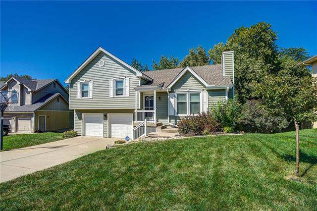 6512 NW Sioux Drive, Parkville, MO 64152 (#2195952) :: House of Couse Group