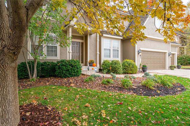 11350 S Parish Street, Olathe, KS 66061 (#2196058) :: The Shannon Lyon Group - ReeceNichols