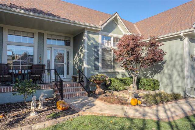 2824 SW 10th Street, Lee's Summit, MO 64081 (#2196135) :: The Shannon Lyon Group - ReeceNichols