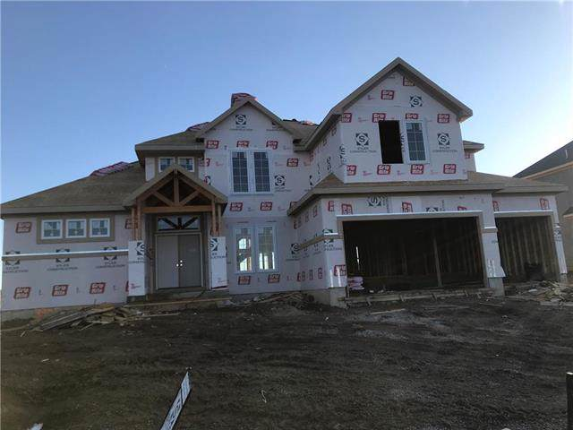 3305 NE 102nd Terrace, Kansas City, MO 64155 (#2196210) :: Dani Beyer Real Estate