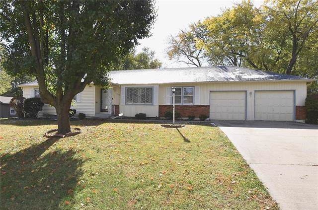 903 NE 60th Terrace, Gladstone, MO 64118 (#2196216) :: House of Couse Group