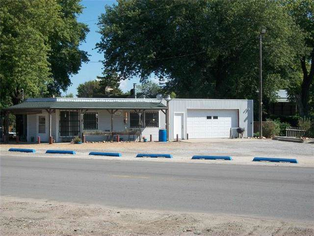 2544 S 10th Street, St Joseph, MO 64503 (#2196319) :: Eric Craig Real Estate Team