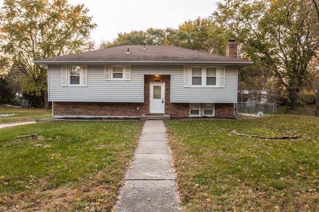 11020 N Harrison Street, Kansas City, MO 64155 (#2196384) :: Dani Beyer Real Estate