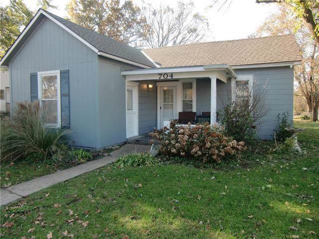 704 2nd Street, Belton, MO 64012 (#2196785) :: Team Real Estate