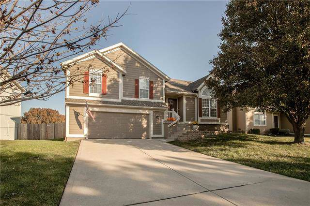 18732 W 160th Street, Olathe, KS 66062 (#2196957) :: The Shannon Lyon Group - ReeceNichols