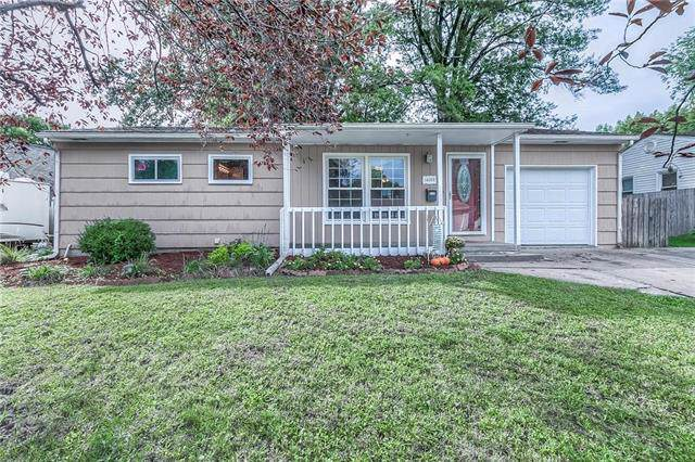 14007 W 93rd Street, Lenexa, KS 66215 (#2196999) :: House of Couse Group