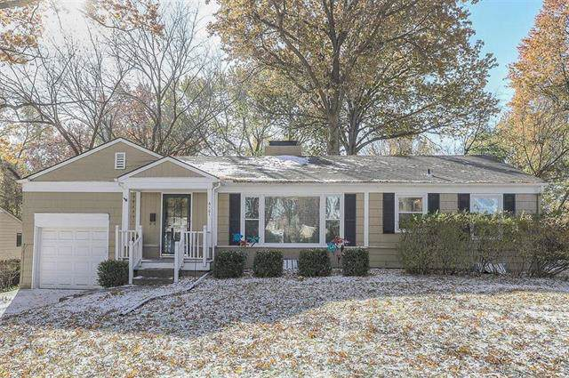 6101 W 62nd Street, Mission, KS 66202 (#2197094) :: House of Couse Group