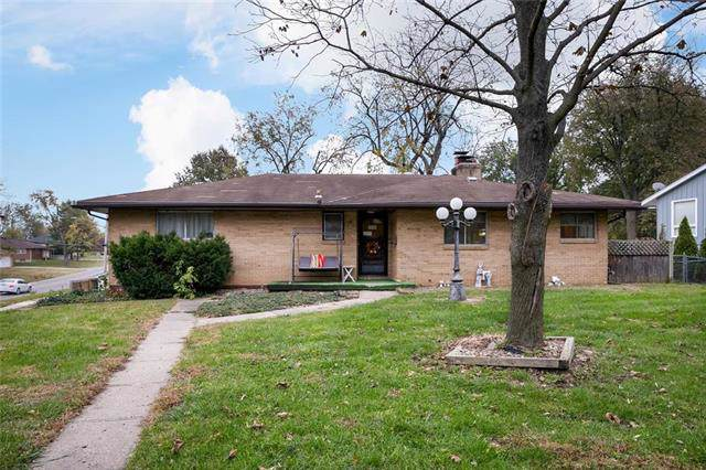 3201 S Norton Avenue, Independence, MO 64052 (#2197120) :: Clemons Home Team/ReMax Innovations