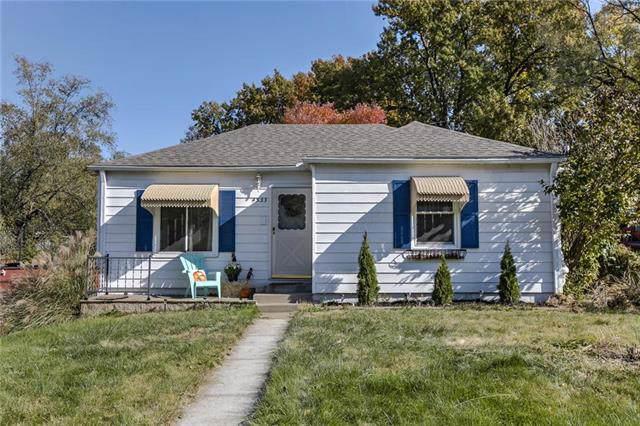 4533 N Locust Street, Kansas City, MO 64116 (#2197153) :: Edie Waters Network