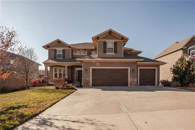 16532 Cody Street, Overland Park, KS 66221 (#2197161) :: The Shannon Lyon Group - ReeceNichols