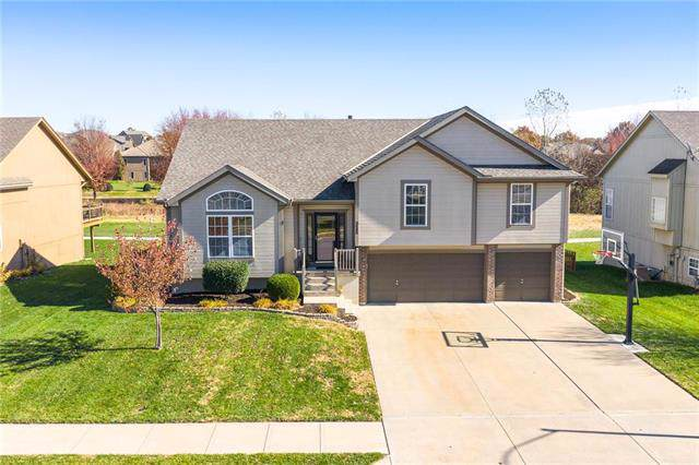 311 S Fox Ridge Drive, Raymore, MO 64083 (#2197205) :: Ask Cathy Marketing Group, LLC