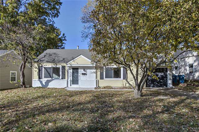 7530 Rainbow Drive, Prairie Village, KS 66208 (#2197210) :: Austin Home Team