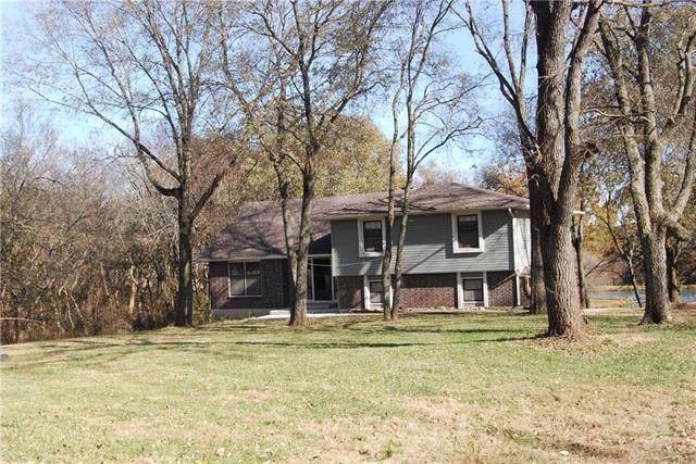 24449 Morning Deer Drive, Paola, KS 66071 (#2197407) :: The Shannon Lyon Group - ReeceNichols