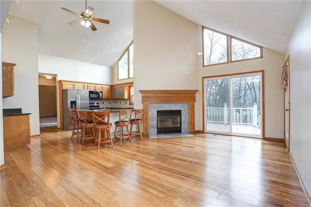 26833 W 226th Street, Spring Hill, KS 66083 (#2197467) :: Clemons Home Team/ReMax Innovations