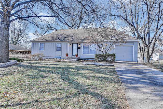 9734 Eby Street, Overland Park, KS 66212 (#2197537) :: Team Real Estate