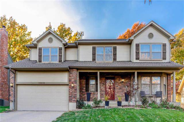 12212 Perry Street, Overland Park, KS 66213 (#2197551) :: Dani Beyer Real Estate