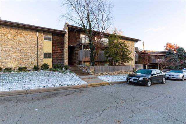 4505 Headwood Drive #7, Kansas City, MO 64111 (#2197559) :: Edie Waters Network