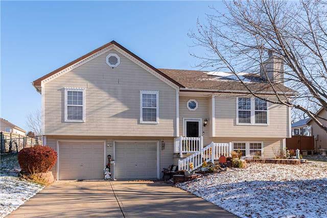 1831 S 105th Terrace, Edwardsville, KS 66111 (#2197586) :: House of Couse Group