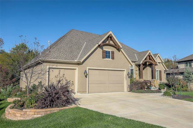 10805 W 153rd Terrace, Overland Park, KS 66221 (#2197633) :: Dani Beyer Real Estate