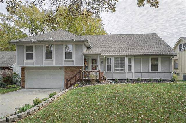 14633 W 90th Terrace, Lenexa, KS 66215 (#2197642) :: House of Couse Group