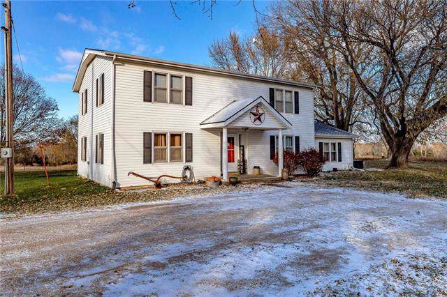 1847 John Brown Road, Princeton, KS 66078 (#2197651) :: Clemons Home Team/ReMax Innovations