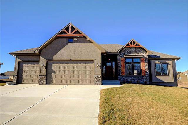 4705 NE Saratoga Court, Lee's Summit, MO 64064 (#2197772) :: The Gunselman Team