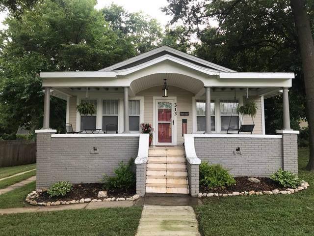 313 N Jeffreys Street, Pleasant Hill, MO 64080 (#2197829) :: Edie Waters Network
