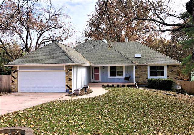 13915 Midland Drive, Shawnee, KS 66216 (#2197854) :: House of Couse Group