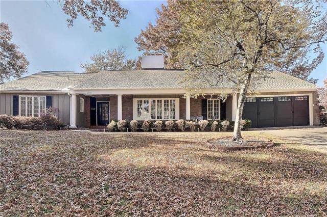 6606 Willow Lane, Mission Hills, KS 66208 (#2198125) :: The Shannon Lyon Group - ReeceNichols