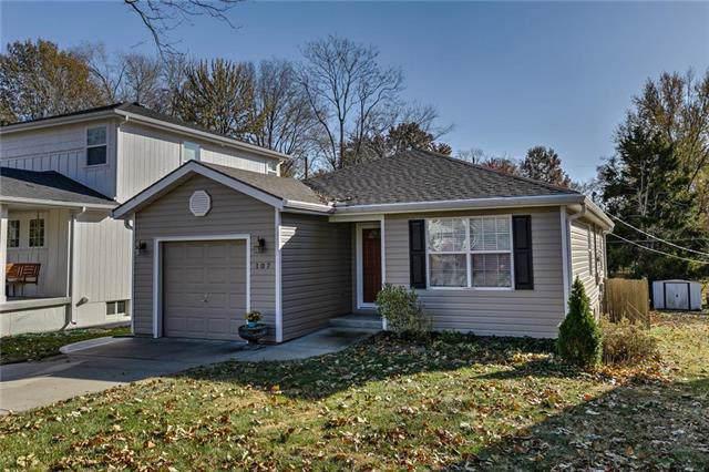 107 W 78TH Street, Kansas City, MO 64114 (#2198173) :: Dani Beyer Real Estate