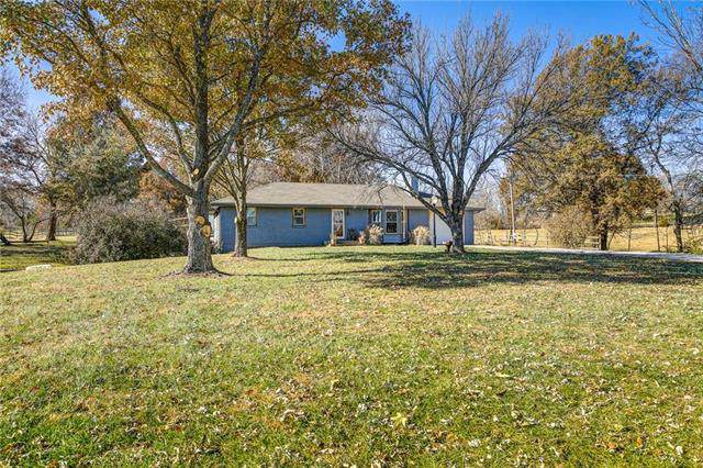 24910 S Hope Road, Peculiar, MO 64078 (#2198183) :: The Gunselman Team
