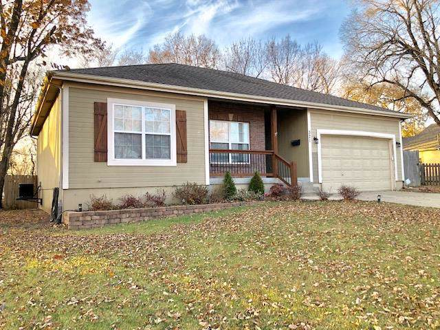321 N Independence Street, Pleasant Hill, MO 64080 (#2198195) :: NestWork Homes