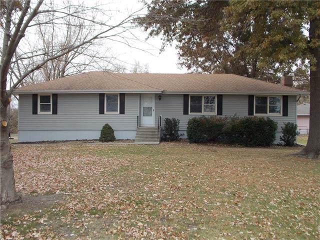 2216 N 153 Street, Basehor, KS 66007 (#2198212) :: House of Couse Group