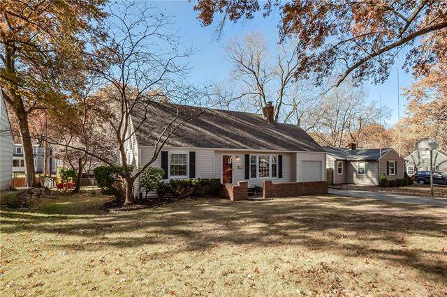 4231 W 74th Street, Prairie Village, KS 66208 (#2198247) :: House of Couse Group
