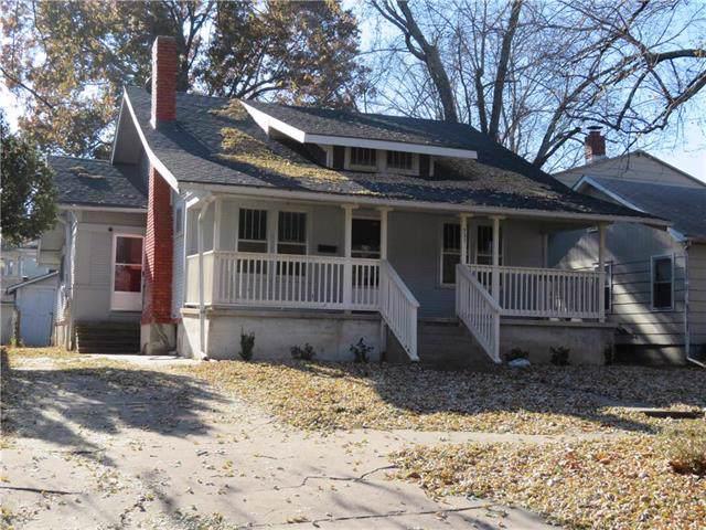 327 Parker Avenue, Osawatomie, KS 66064 (#2198261) :: House of Couse Group