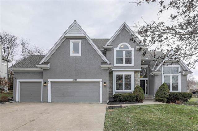 2329 SW Waterfall Drive, Lee's Summit, MO 64081 (#2198290) :: Ask Cathy Marketing Group, LLC