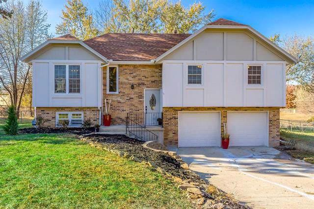 5206 Longview Road, Shawnee, KS 66218 (#2198396) :: Dani Beyer Real Estate