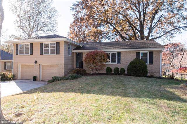 8128 Beverly Drive, Prairie Village, KS 66208 (#2198400) :: House of Couse Group