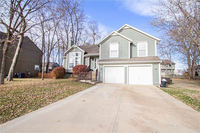 20002 W 219th Terrace, Spring Hill, KS 66083 (#2198408) :: Clemons Home Team/ReMax Innovations