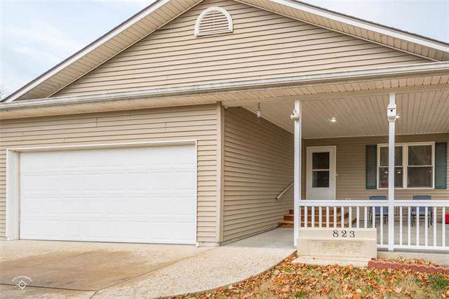 823 N Hickory Street, Ottawa, KS 66067 (#2198422) :: Clemons Home Team/ReMax Innovations